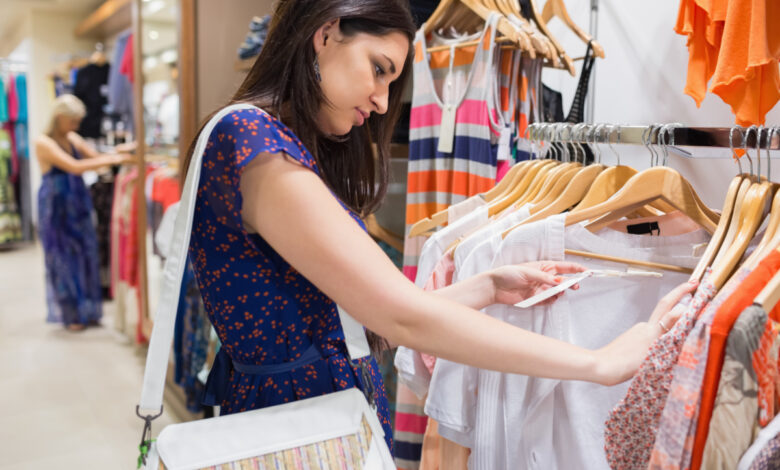 Dealing with Ladies Clothing Is a Profitable Business, Here Is How?