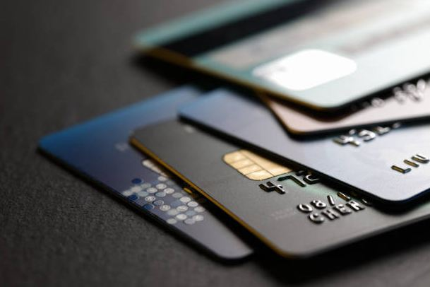 Why Is Credit Card Delinquency Rising as Interest Rates Fall